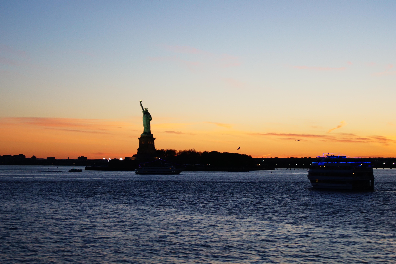 Blick von der Staten Island Ferry: Fährverkehr in der Upper New York Bay ((c)Kevin Pieter Huthmann)