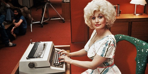 Filmstill mit Dolly Parton